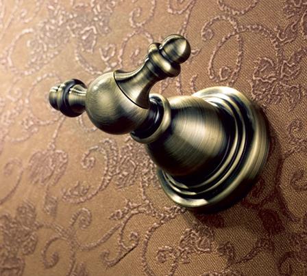 Крючок для ванной